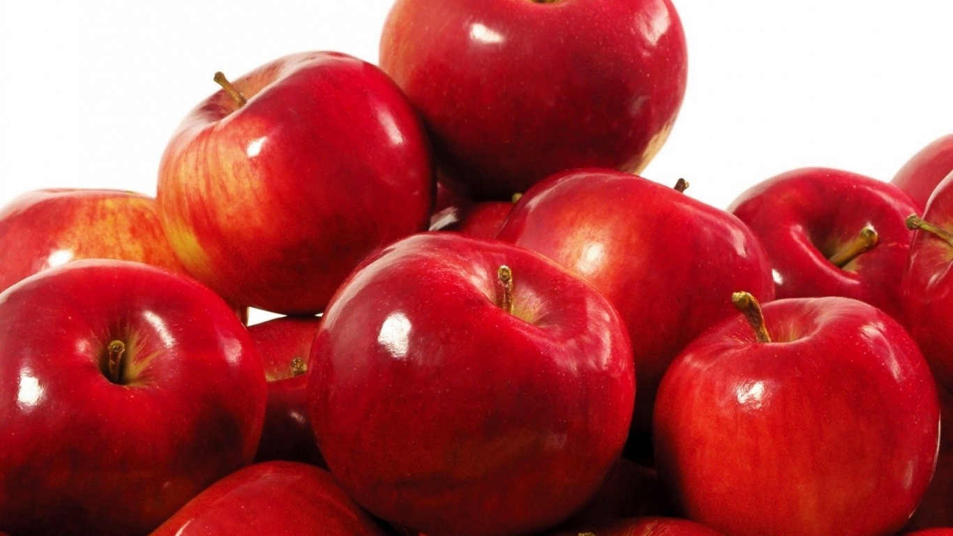 Apple seeds can be poisonous! Here's what happens when you ...